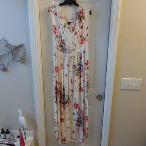 NWT Torrid Floral Maxi Dress